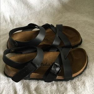 Birkis by Birkenstock Women black strap sandals 36